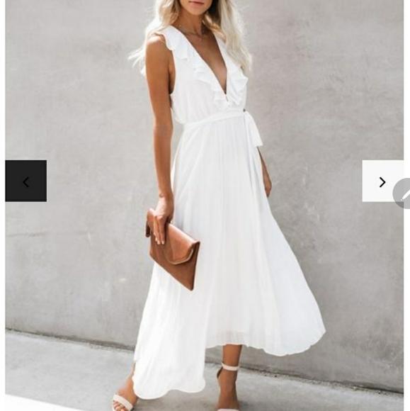 VICI White Flowy Midi Dress - M